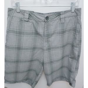 Quicksilver Men's Gray Plaid Shorts Size 32